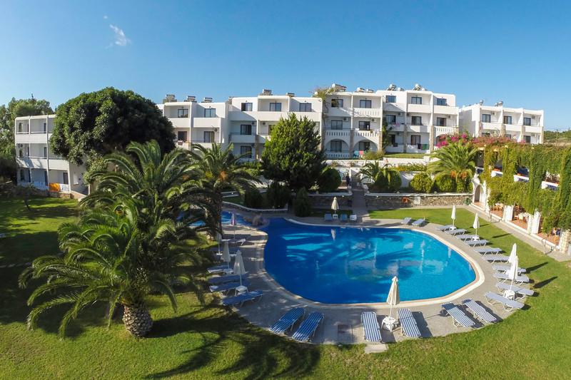 Pool and garten ekaterini hotel rhodes island for Garten pool 2m tief